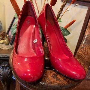 Mossimo red patent shiny heels